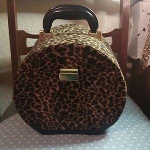 Vintage Faux Leopard round jewelry box